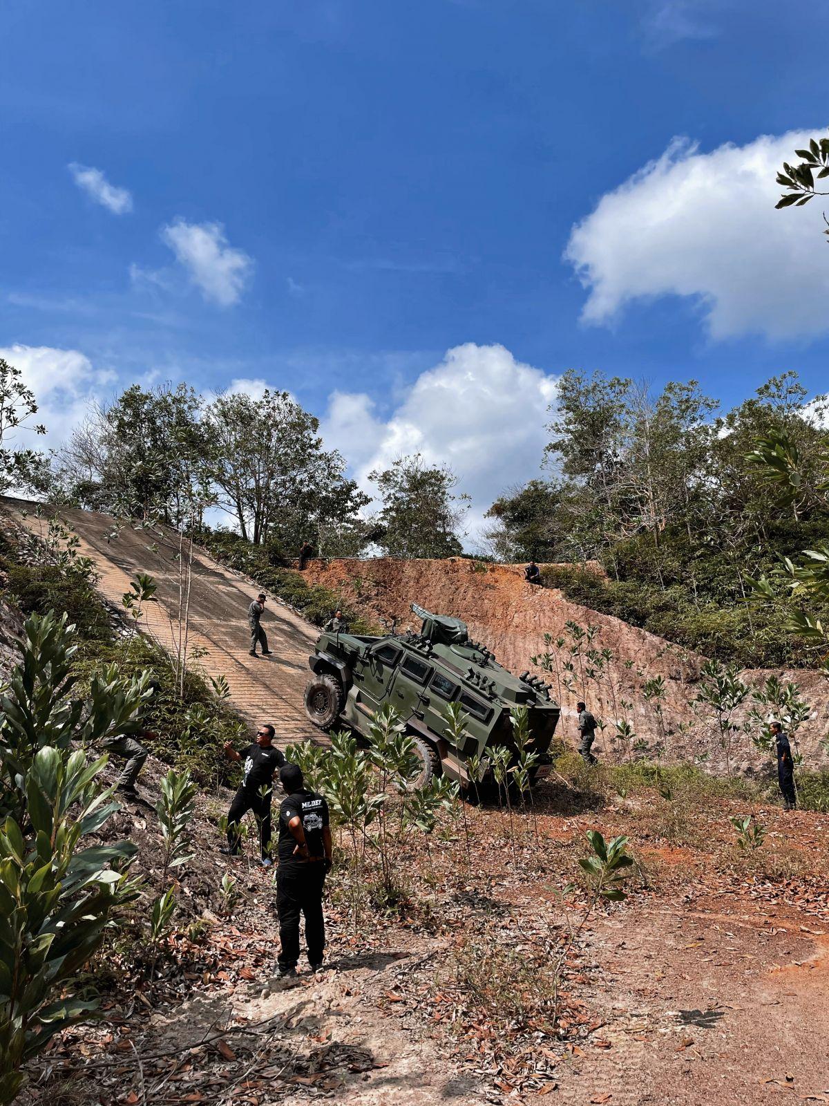 2021-MILDEF-Malaysia-4X4-HMAV-6_BM-1200x1600.jpeg