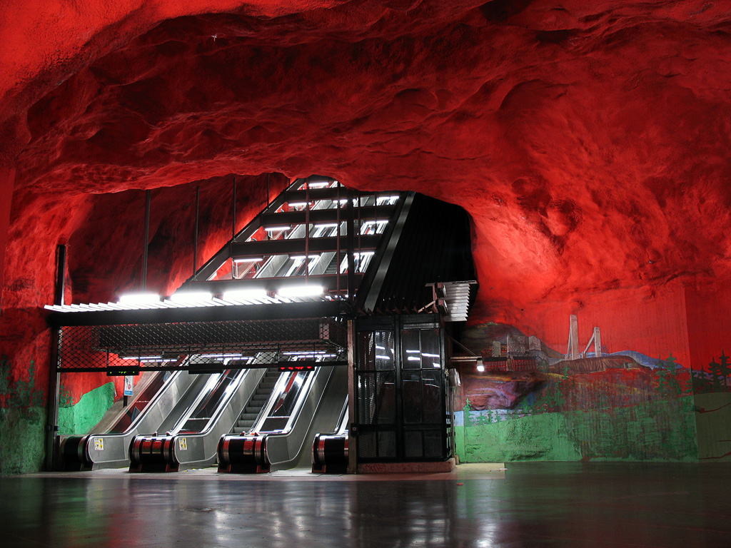 Click image for larger version  Name:	stockholm-subway-art-04.jpg Views:	10 Size:	353.1 KB ID:	60922